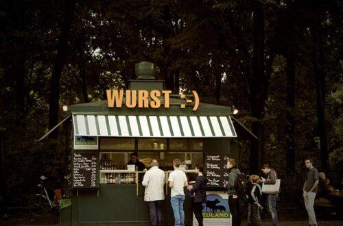 Wurststand, Symbolbild Für Den Wertpapierkauf Auf Dem Heimatmarkt
